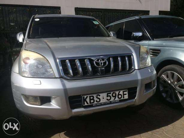 Toyota Prado 3000cc Diesel Automatic 4wd optional Clean Buy and drive Nairobi CBD - image 1