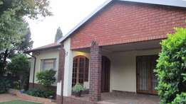 HOUSE TO RENT: Valhalla - 3 bedrooms available 1 May