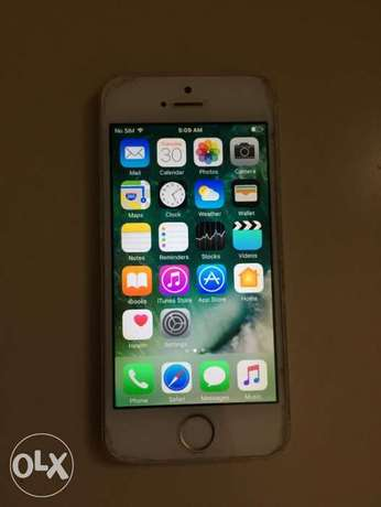 iPhone 5s - 16GB (Good Condition ايفون ١٦جيجا (حالة جيده