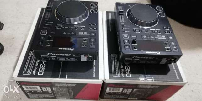 cdj 350 pioneer new still in box,2pcs with cd software & serial number