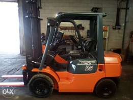 2.5 ton Toyota forklift for sale