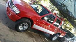 Isuzu kb300 d/cab for Urgent sale but not desperate