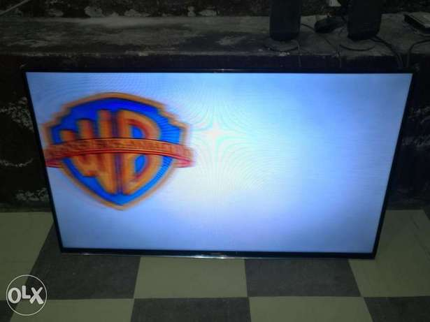 "Almost new 40"" Samsung Smart hub FHD TinzenOS Wifi ready 2015 LED TV Ojo - image 1"