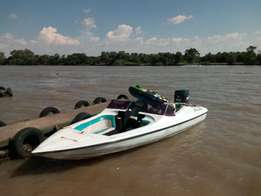 Xtaski 17vt Bowrider Family Boat with Mercury Black Max 175HP for Sale