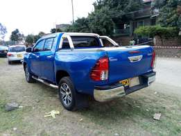 Toyota hilux double cab diesel local 2017 model