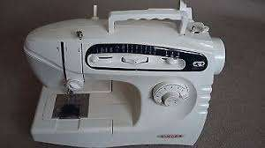 Singer Sewing Machine 5430c - excellent condition Mombasa Island - image 3