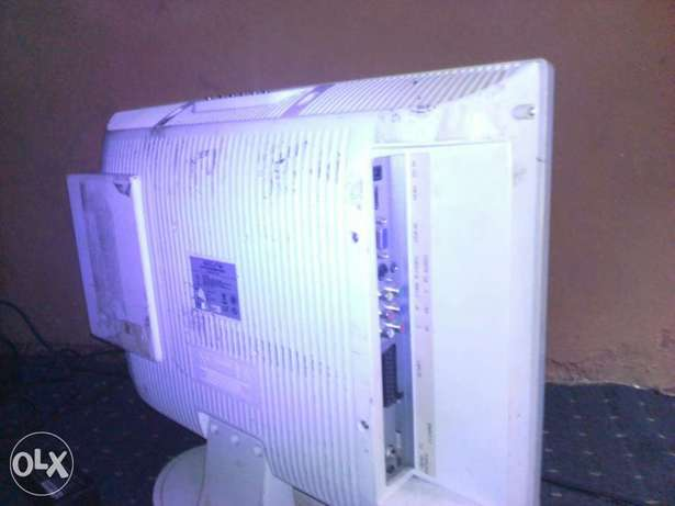 LCD Akura TV with inbuilt DVD Player (20 inches) for sale Abeokuta South - image 8