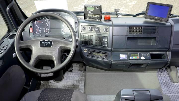 MAN TGL 12.210 CARRIER Supra 950MT - image 8