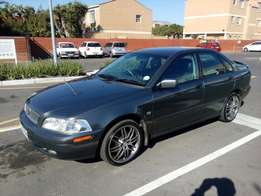 Volvo S40 T4 2.0 L automatic 2002 on special sale R45000