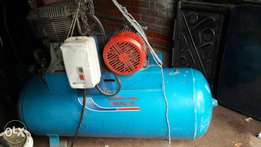 Air compressor in good condition for sale