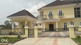 5 BEDROOM DUPLEX At Co operative Villa IN BADORE AJAH. 65m