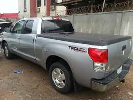 Toyota tundra super clean 08
