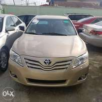 Tincan Cleared 2010 Toyota Camry LE gold Color