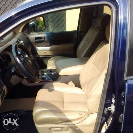 ADORABLE MOTORS: A clean, well used 08 Toyota Thundra Lagos Mainland - image 5