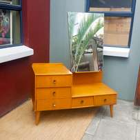 Mid-Century dressing table / chest of drawers, amazing design, sturdy