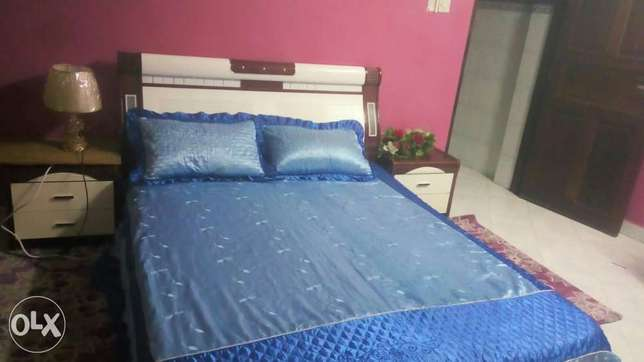 Bed ( 5 by 6) and dressing set for sell Mombasa Island - image 1