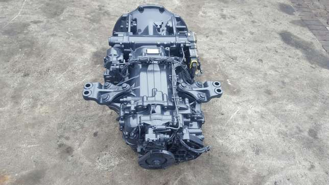 Mercedes actros mp3 G211-12 gearbox with ecm Africa - image 5