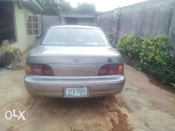NEATLY USED TOYOTA CAMRY ,aka orobo for quick sale Ijebu Ode - image 4