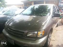 Neatly used sienna for sale
