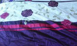 Queen size duvet cover with 2 pillowcases