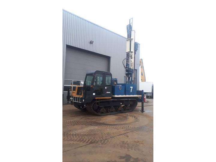 Morooka MST-1500VD Crawler Drill - 2013
