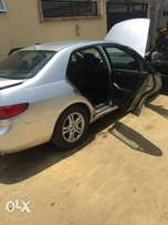 Neatly naija used 2005 v6 eod with 6cd loader