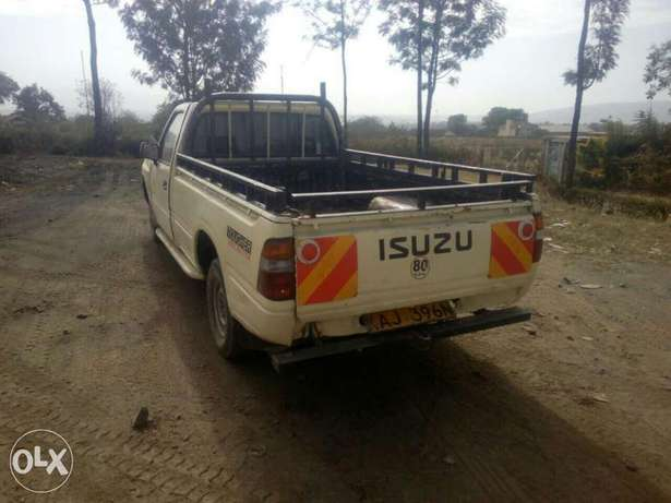 Isuzu tougher Nakuru East - image 2