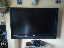 LG 32inch plasma TV with HDMI USB for flash and HDD for sale