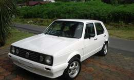 Golf 1.6 injection R32000