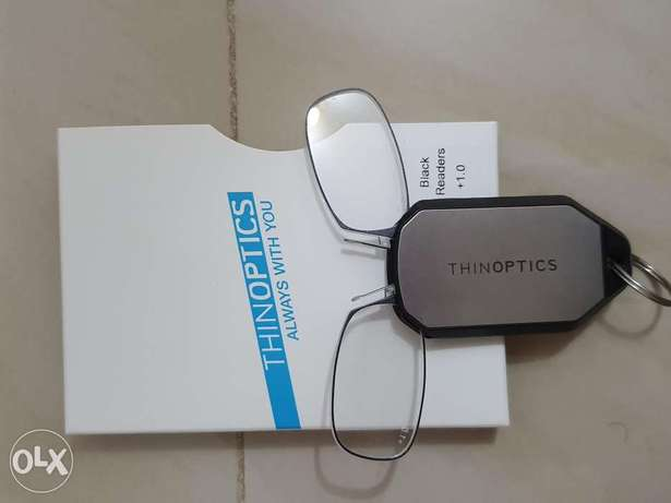 Brand new ThinOptics reading glass with keychain