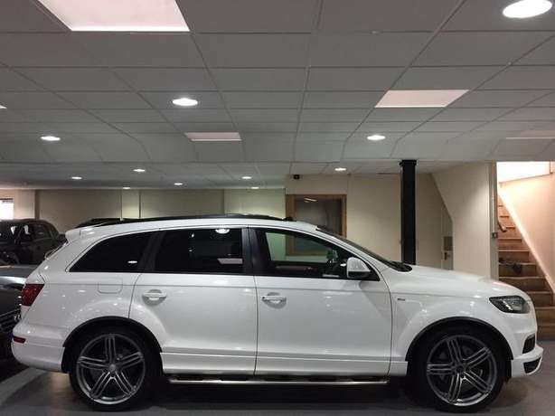 2010 Audi Q7 3.0 SLine diesel* Full Panoramic roof, 7seats, Fuji white Nairobi West - image 8