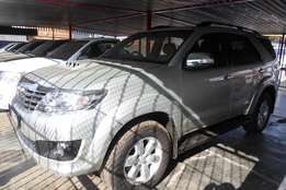 2011 toyota fortuner 3.0d4d,silver gold,automatic,for sale