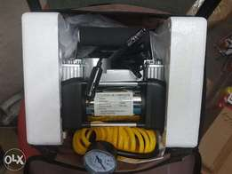 Car Tyre Inflator Air Compressor Pump, twin cylinder.