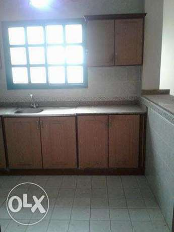 2 bedrooms spacious flats in bin omran