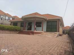 Four 4bedrooms house for rent plus garage servant qouter