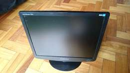 "17"" Computer screen for sale"