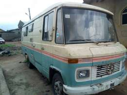 Mercedez Benz long bus tokunbo for sell