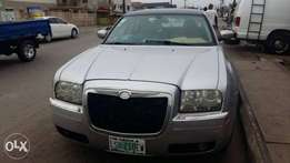 2004 Chrysler 300