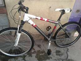 On sale Raleigh red and white shimano bike