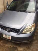 Clean and sond Toyota Matrix 2004 for sale