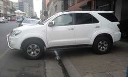 Toyota fortuner 3.0 D4D white in color 2008 model 95000km R178000