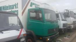 Mercedes benz 814 container body ( four cylinder).
