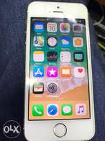 IPhone 5s 16gb champagne gold good as new