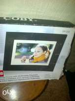 Coby 12 inch digital photo frame