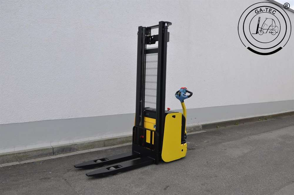 Hyster S1.2-38 - 2001