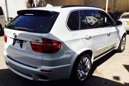 BMW X5 new shape justarrived with panoramic roof at 3,999,999/= ono