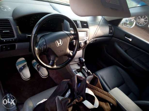 2007 Honda Accord Hybrid Edition in PERFECT shape Ikeja - image 4
