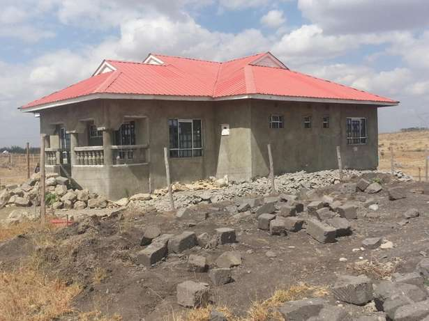 A three bedroom bungalow built in 100x50 plot. Electricity and water Nairobi CBD - image 8