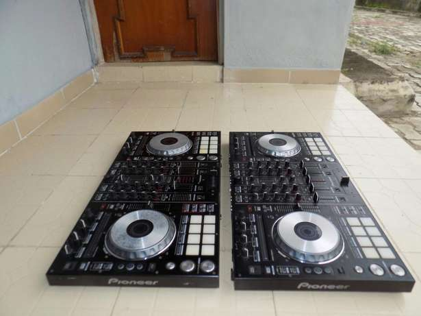 Neatly Used Pioneer ddj sx with flight case Lagos Mainland - image 3