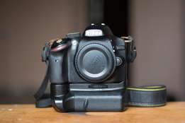 HOT NIKON CAMERA AND Two Lenses Deal.(Bundle package)